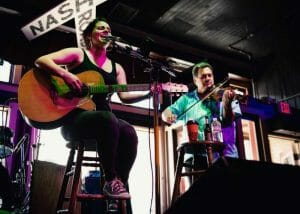 show musicians performing in nashville